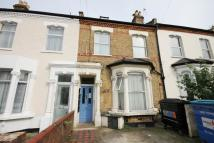1 bedroom Studio flat in Whittington Road, London...