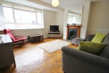 Flat in Eversley Park Road...