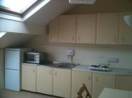Studio flat in Oakwood Avenue, Roundhay...