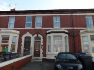 Ground Flat to rent in Carshalton Road...