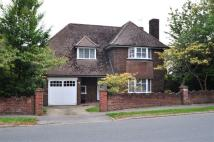 4 bedroom Detached home in Manor Way...