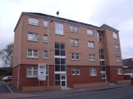 Flat to rent in Kings Park Road, Glasgow...