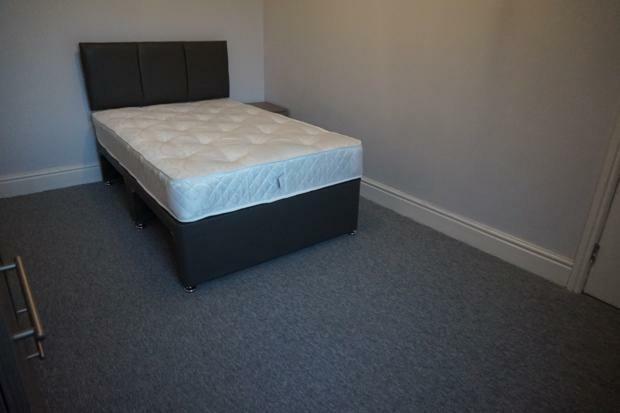 Toop Middle Bedroom