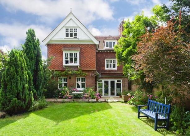 5 Bedroom Semi Detached House For Sale In Wray Common Road