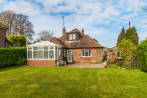 Detached Bungalow for sale in Sunny Avenue...