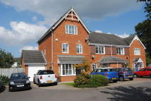 4 bed End of Terrace home in Gray Close, Lingfield