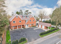 2 bed Apartment for sale in Westhall Road, Warlingham