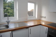 Apartment to rent in Brookhill Road, Copthorne
