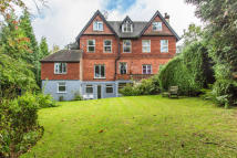 Ground Flat for sale in Snatts Hill, Oxted