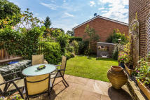 4 bed Terraced home in Durfold Drive, Reigate