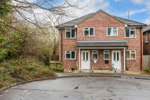 2 bed semi detached property for sale in Willow Road, Redhill