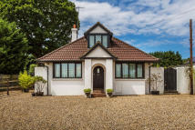 Detached Bungalow in Reigate Road, Hookwood