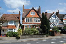 Reigate Road Ground Flat to rent