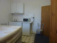 Studio flat in Black Boy Lane, London...