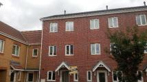 Town House to rent in Camden Grove, Maltby...