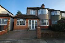semi detached property in 4-bedroom semi-detached...