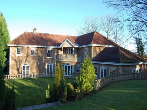 4 Bedroom Detached House For Sale In 1 Kingswood Langley Park