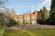 Flat in London Road, Windlesham...