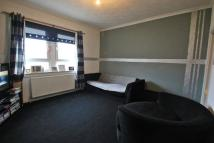 Flat to rent in Braehead Street...