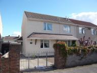 semi detached house in 9 Sunnybank Road...