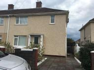 3 bed semi detached house in Fairway...