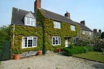 4 bed Cottage in Stow Road, Fifield...
