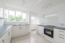 4 bed semi detached property to rent in Botley Road, Oxford...