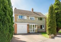 Detached home in 18 Rectory Close...