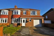4 bedroom semi detached home to rent in Tunstall, Sunderland