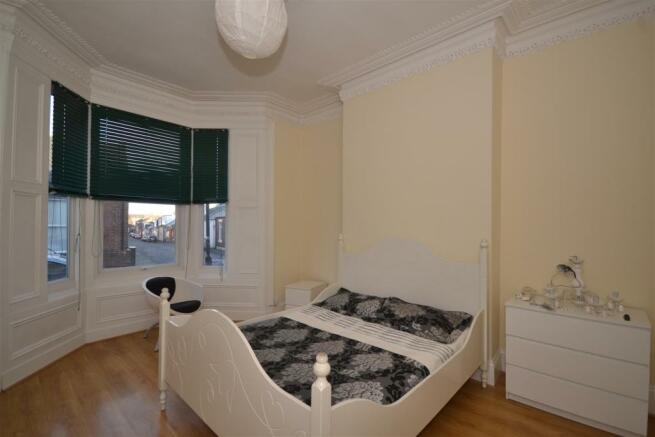 Reception Room 1/Bed