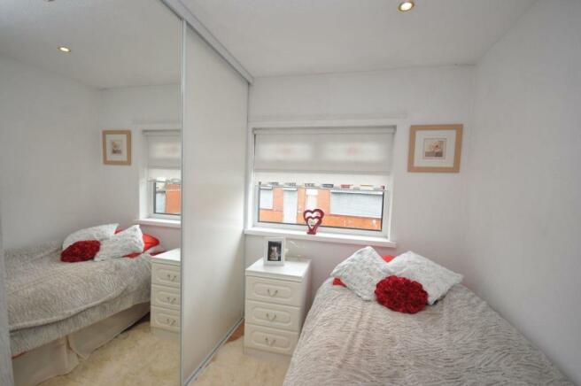 Bedroom 3 (Front facing)