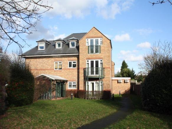 Bedroom Property For Sale In Iver Heath