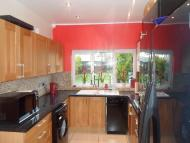 House Share in Carew Road...