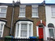 1 bedroom Maisonette to rent in Kirkwood Road, Peckham...