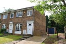 4 bedroom property in Wood Rise, Guildford...