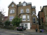 2 bedroom Flat in Hunter Road, Guildford...