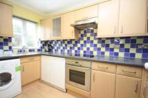 1 bed Flat to rent in Heather Close, Guildford...