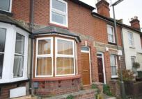 2 bedroom house in Finch Road, Guildford...