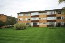 Flat to rent in Boxgrove Road, Guildford...