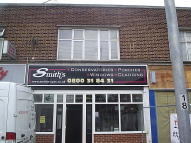 2 bed Flat in Front Lane, Upminster...
