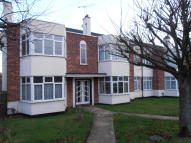 2 bedroom Flat to rent in The Walk, Hornchurch...