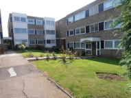 2 bed Flat in Carlton Close, Upminster...