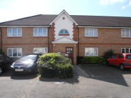 Ground Flat to rent in Woburn Avenue, Elm Park...