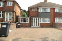 3 bedroom semi detached property to rent in Yarningale Road...