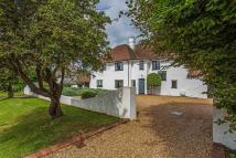 4 bed Detached house in SOUGHT AFTER FIRLE ROAD