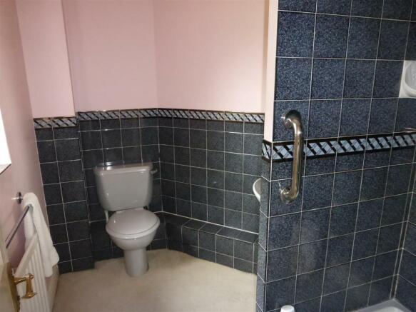 Bedroom 2 - En Suite