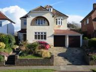 Detached property for sale in 4 BEDROOMS & 4 BATHROOMS