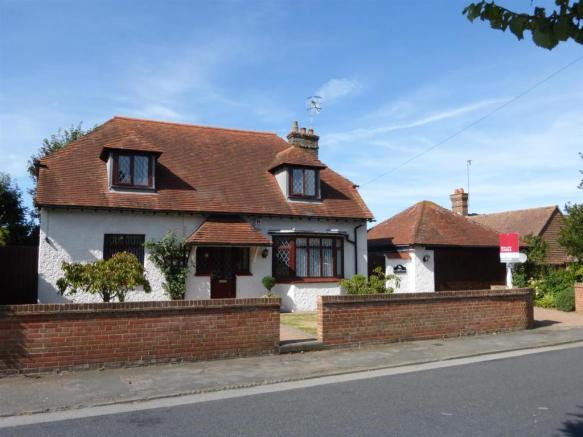 3 bedroom detached house for sale in individual detached for Chalet style homes for sale