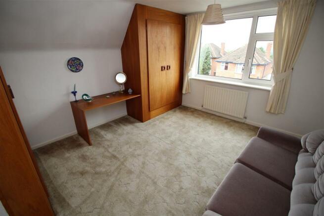 bedroom 3 (1).JPG