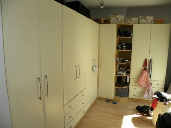 Dressing Room/Bedroo